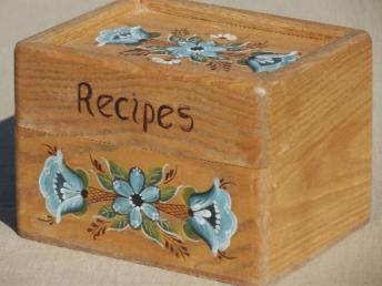 Caja de receta de roble pintada. c 1980