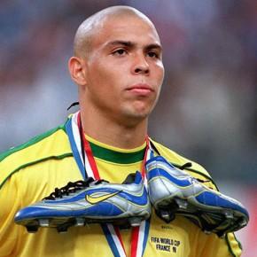 R9 o de los botines de fútbolpersonalizados