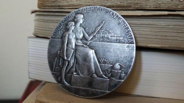 5-MedallaFundacionFedericoSantaMaria