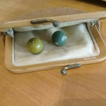 Canicas de colores de Yin Yin. Donación Atkinson. Museo Gabriela Mistral de Vicuña