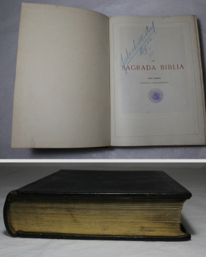 Biblia. Museo de Arte Colonial de San Francisco.